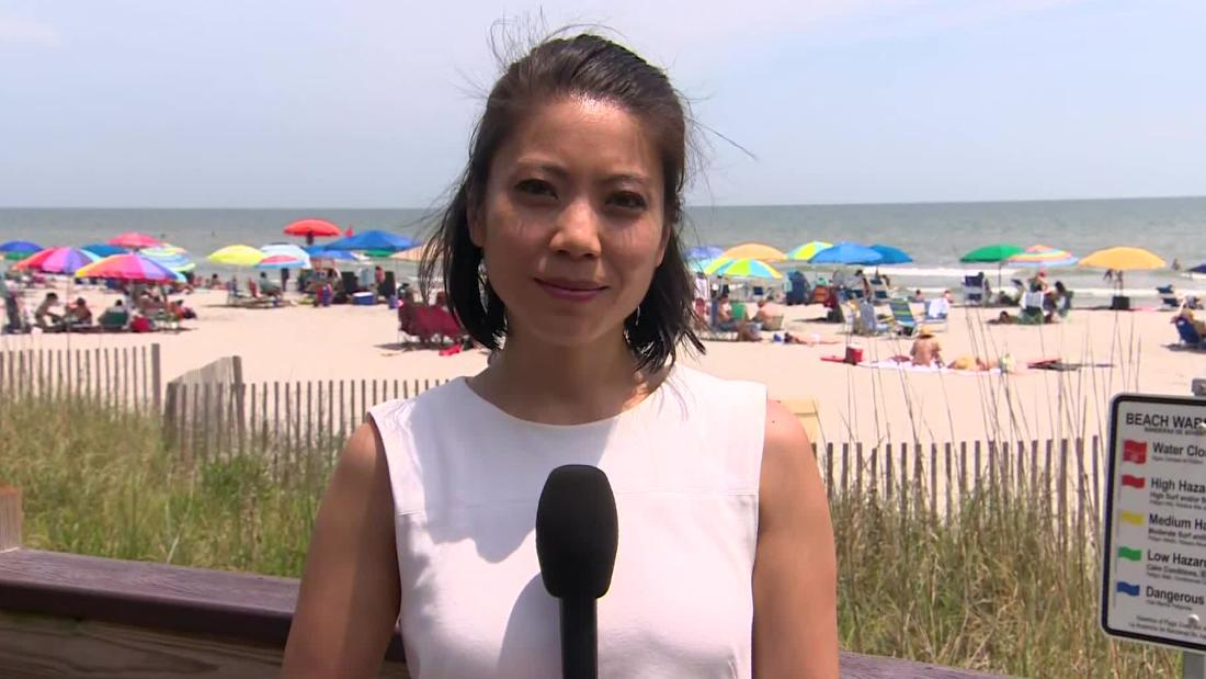 CNN reporter describes being harassed by beachgoer