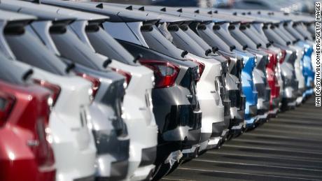 I veicoli Nissan sono parcheggiati nello stabilimento dell'azienda a Sunderland, nel Regno Unito.