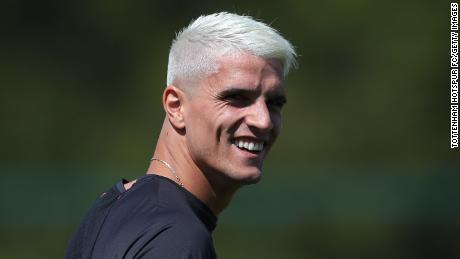 Erik Lamela has opted for the classic peroxide blond.