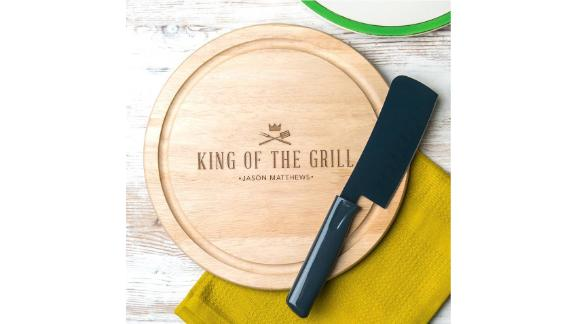 "Dust and Things ""King of the Grill"" Wooden BBQ Cutting Board"