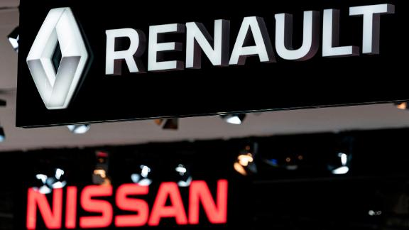 Renault and Nissan automobile logos are pictured during the Brussels Motor Show on January 9, 2020 in Brussels. (Photo by Kenzo TRIBOUILLARD / AFP) (Photo by KENZO TRIBOUILLARD/AFP via Getty Images)