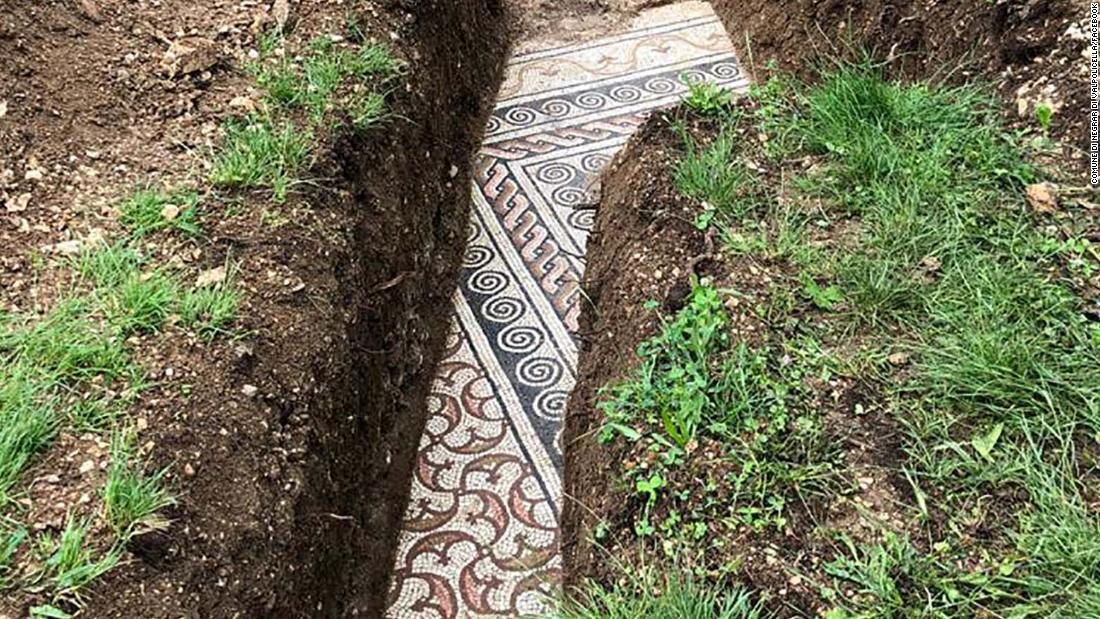 Perfectly preserved ancient Roman mosaic floor discovered