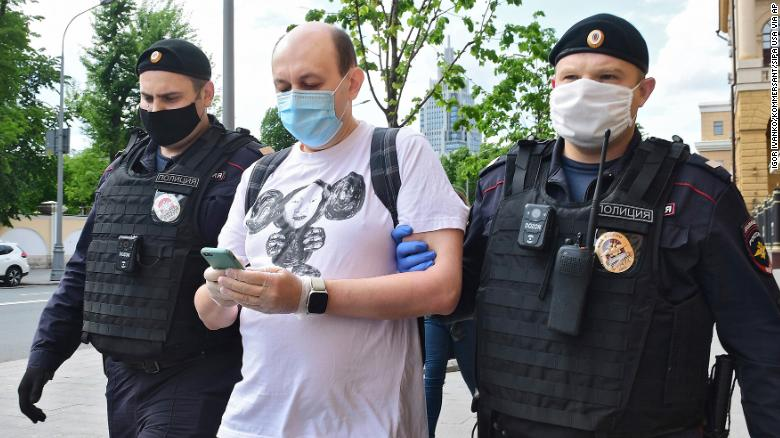 Sergey Smirnov, the chief editor of MediaZona, an online outlet that covers criminal justice and police activity in Russia, was also detained.