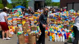 A Minneapolis school asked for groceries to help the families in looted communities. They received thousands.