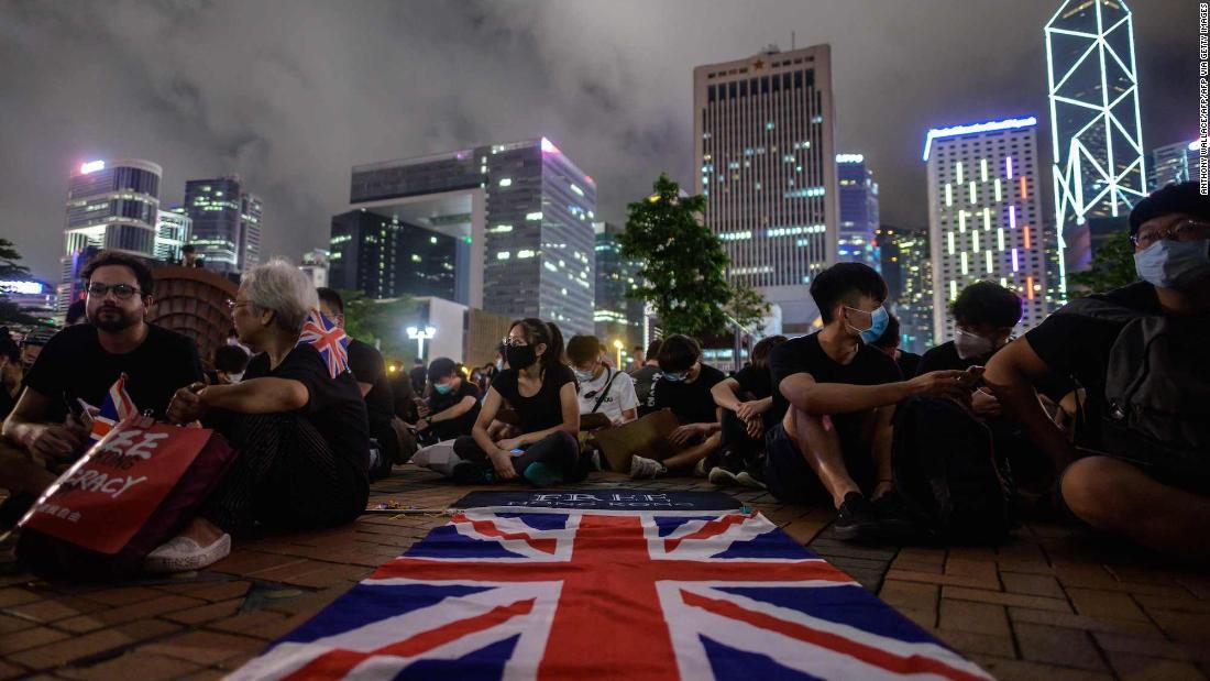 Boris Johnson promises UK will provide Hong Kongers path to citizenship