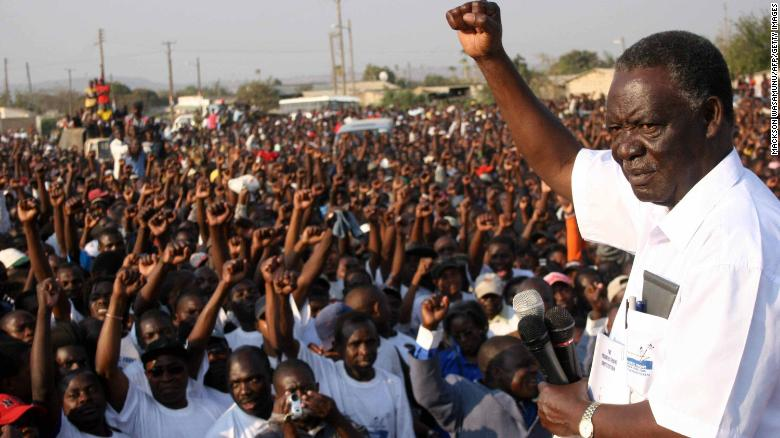 Michael Sata in 2006 during an address at a political rally.