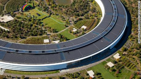 Apple will offer coronavirus tests to employees returning to its headquarters, Bloomberg reports