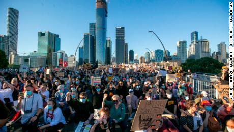 Cumartesi günü Brisbane'deki aktivistler.