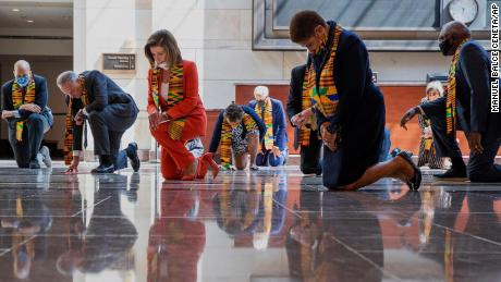 Congressional Democrats criticized for wearing Kente cloth at ...