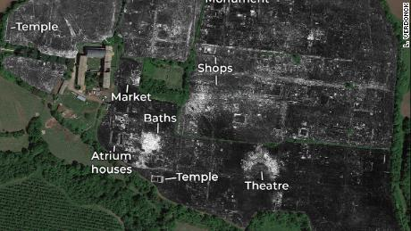 Archaeologists discovered 'elaborate' details of a complete ancient Roman city without digging