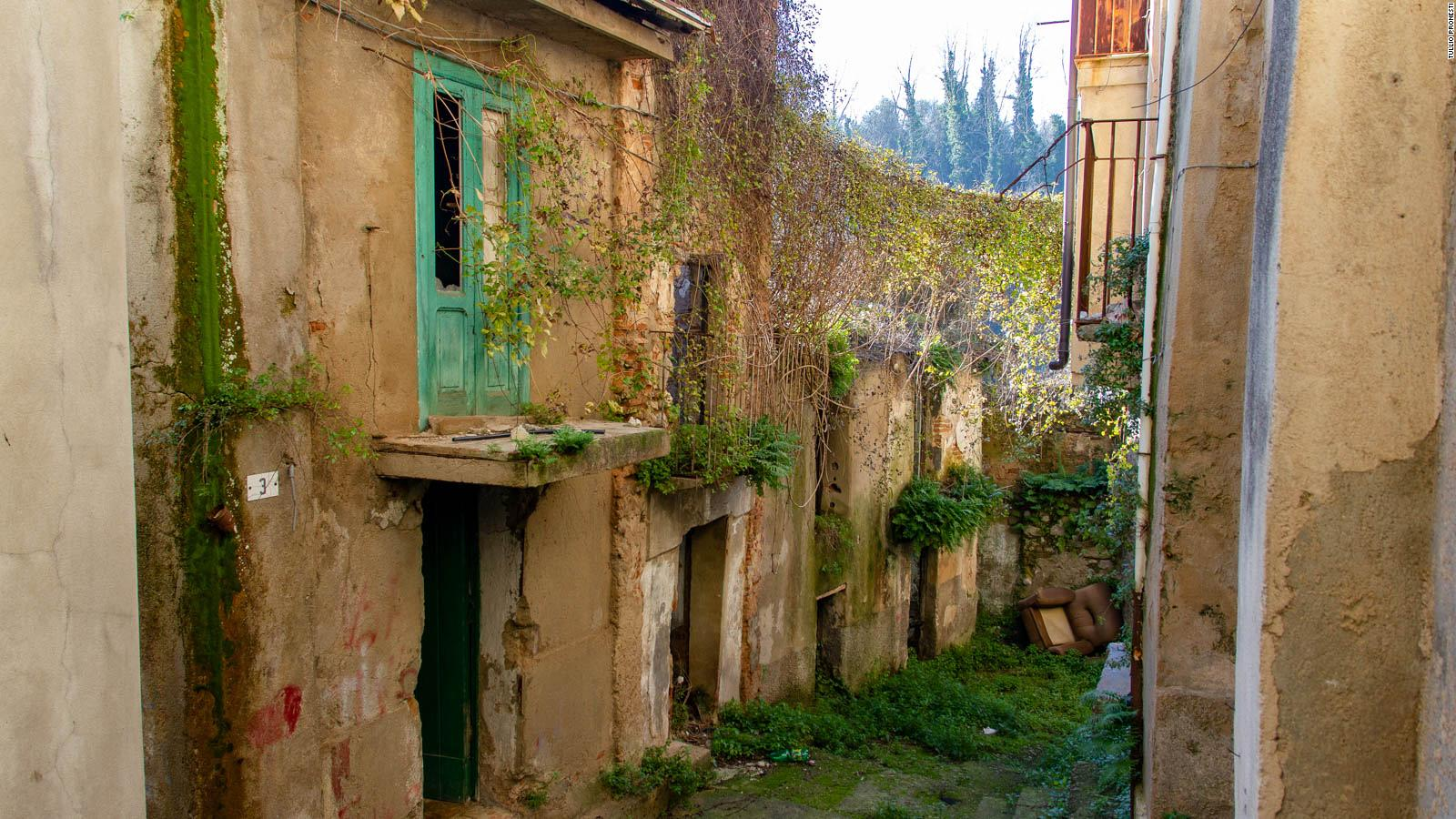 Cinquefrondi The Covid Free Italian Town Selling 1 Houses Cnn Travel,Bedroom Sets Rooms To Go Kids