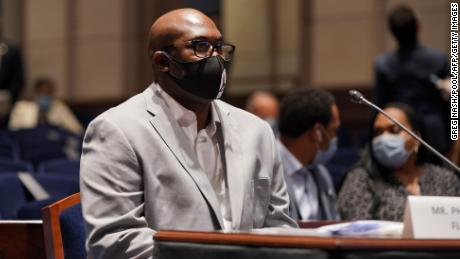 'Stop the pain': George Floyd's brother calls on lawmakers to overhaul policing laws