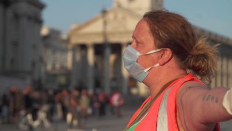 In The Uk The Coronavirus Lockdown Is Leaving Many Facing Financial Stress Cnn Video