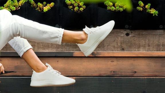 all white runners