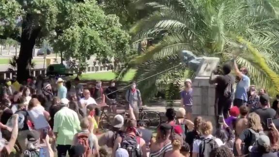 nola statue toppled