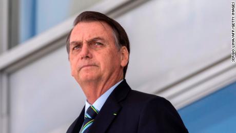 조사는 Bolsonaro가 브라질 사람들에게 병원을 직접 수색하도록 요청한 후 시작되었습니다.