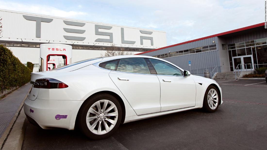 Tesla's new Model S can get 400 miles on a charge. Here's why that may not matter