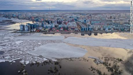 YAKUTSK, RUSSIA - MAY 13, 2020: Ice floes drift past the city of Yakutsk, stretching over a distance of about 230km in total along the Lena River  (Credit Image: © Gavril Starostin/TASS via ZUMA Press)