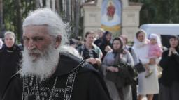 Renegade priest occupies Russian convent