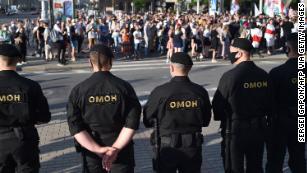 Белорусскому силовику грозят массовые акции протеста из-за ареста основных соперников