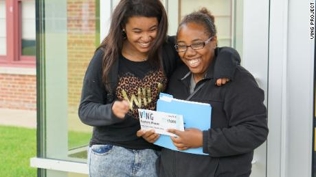 Meon Marshall, left, chose Keytoria Weaver as the recipient of $1,000 from the VING Project.