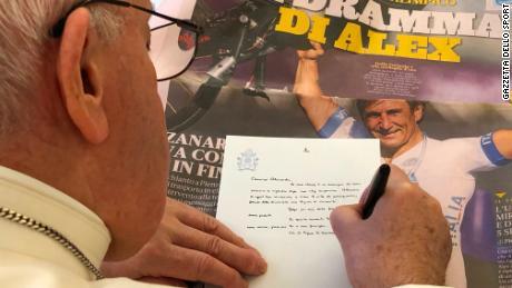Papa Francisc scrie o scrisoare de susținere pentru Alex Zanardi după prăbușirea de groază