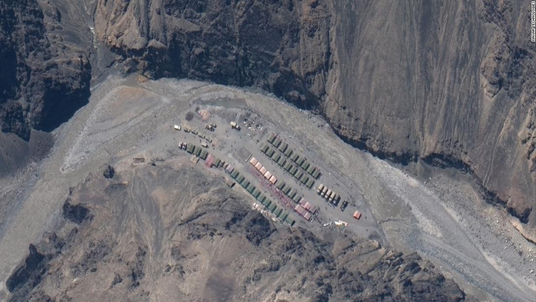 Confine India-Cina: le immagini satellitari mostrano l'accumulo sul luogo di uno scontro mortale