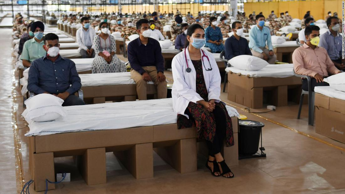 Coronavirus dell'India: Nation apre uno dei più grandi ospedali del mondo