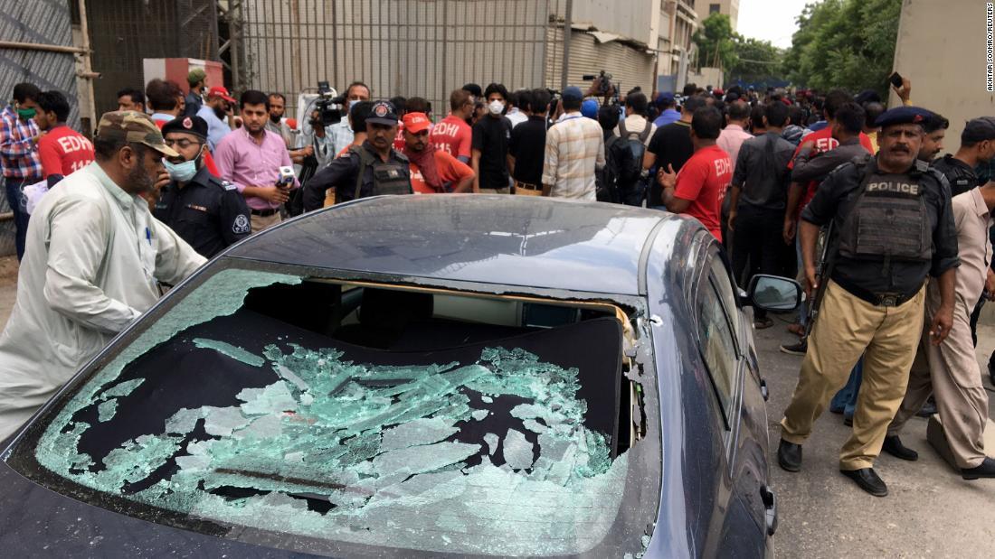 Pakistan Stock Exchange: Mulitple dead after gunmen storm PSX in Karachi