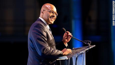 Maurice Jones, CEO și președinte al Corporației de susținere a inițiativelor locale (LISC), vorbind în cadrul evenimentului 40 de ani de la LISC din 2019.