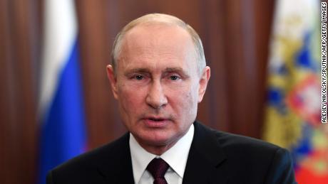 Les électeurs russes soutiennent massivement un stratagème du président Vladimir Poutine pour gouverner jusqu'en 2036
