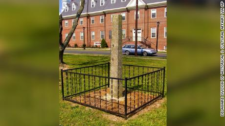 The Delaware Division of Historical and Cultural Affairs removed a whipping post that has been displayed on the grounds of the Old Sussex County Courthouse.