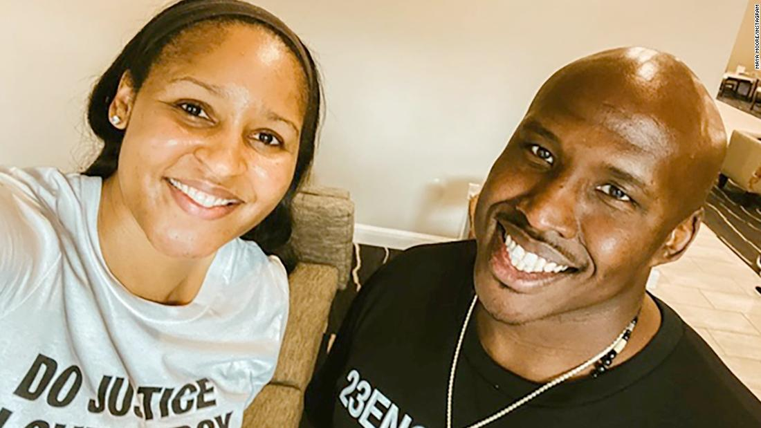 Jonathan Irons was freed from prison this week with the help of basketball star Maya Moore – CNN