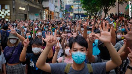 The protest leader in Hong Kong flees when the government warns to