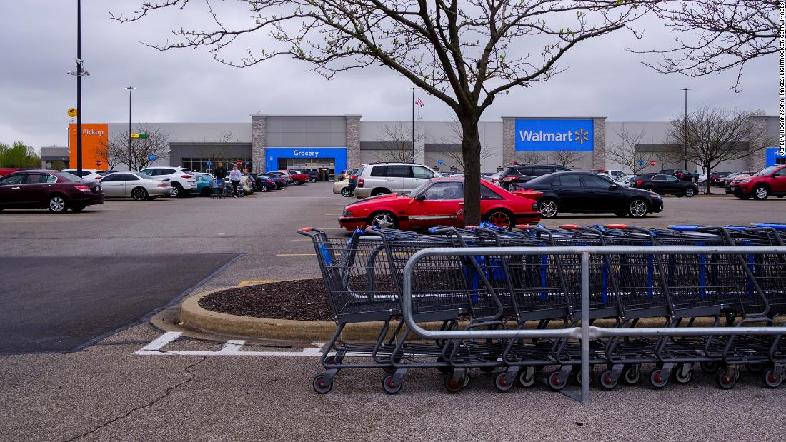 Walmart is transforming 160 of its parking lots into drive-in theaters – CNN