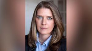 """A sobrinha de Donald Trump, Mary L. Trump, autora do livro """"Too Much and Never Enough"""";  que está programado para ser publicado por Simon & amp;  Schuster em 28 de julho de 2020."""