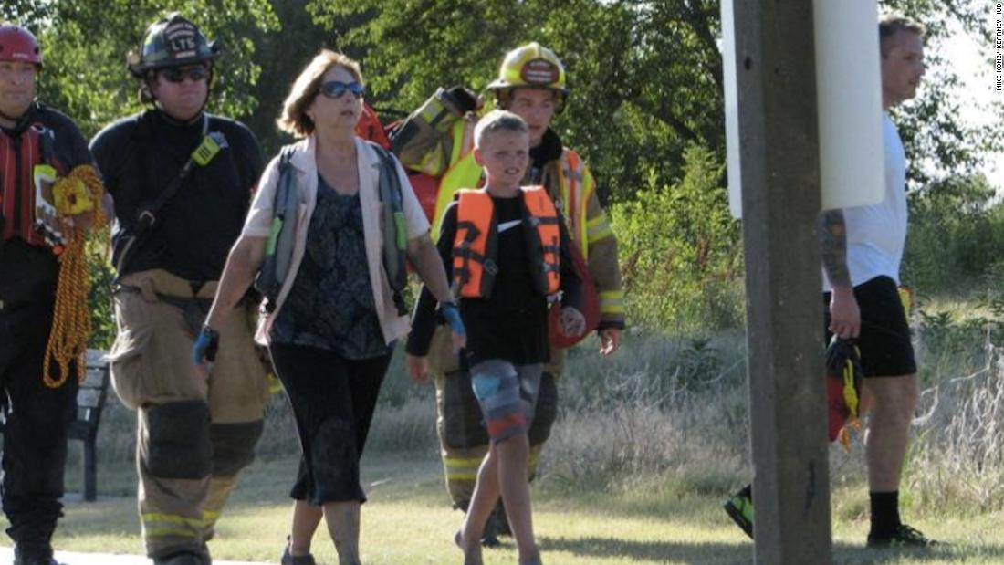 Grandson, 10, gets help after grandma knocked off kayak