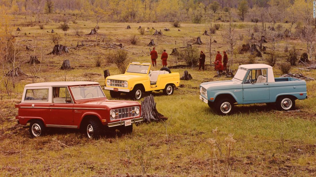 Ford is bringing back the Bronco and it's aimed right at Jeep thumbnail