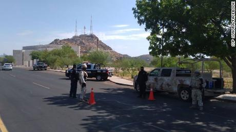 Alors que les cas de coronavirus montent en flèche en Arizona, un État mexicain voisin tente de bloquer les Américains