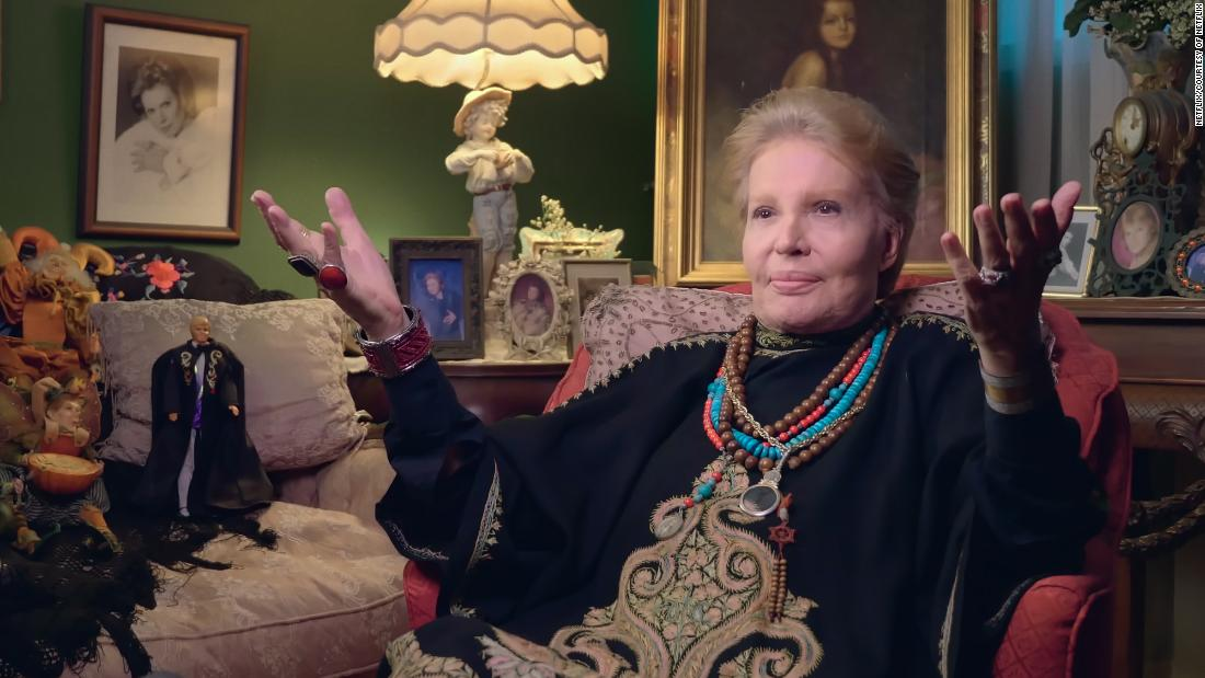 Photo of All signs look good for 'Mucho Mucho Amor,' Netflix's fond look back at Walter Mercado