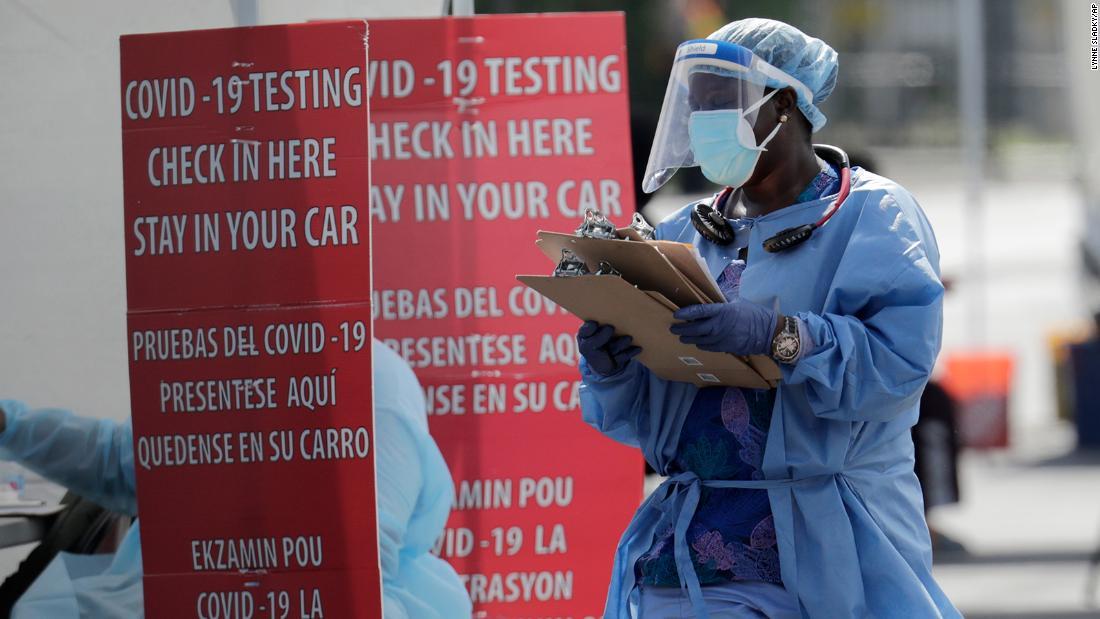 Chuyên gia sức khỏe Hoa Kỳ: Truy tìm liên lạc không còn có thể trên toàn miền Nam do sự gia tăng nhanh chóng của coronavirus, chuyên gia y tế nói