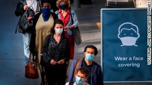 Refusing to wear face masks should be as taboo as drunk driving, science chief says