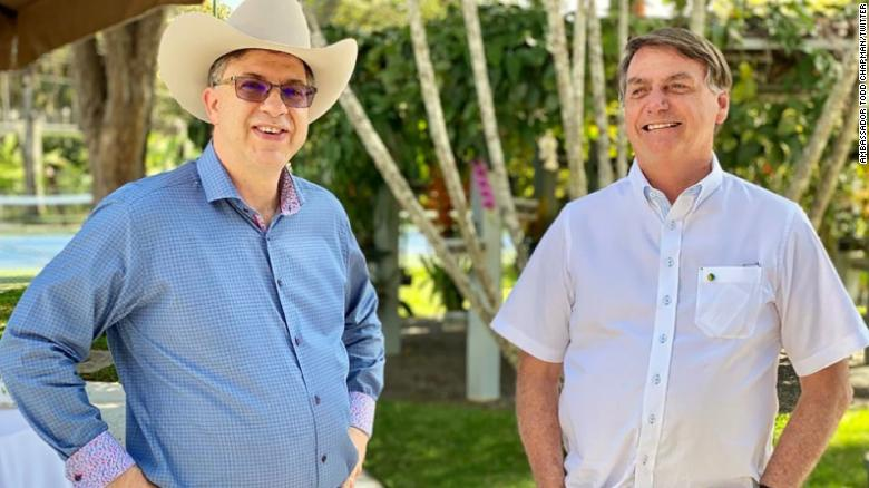 Bolsonaroattended a July 4th commemoration event with the US Ambassador to Brazil Todd Chapman on Saturday, according to a photo posted to the President's official Facebook page.