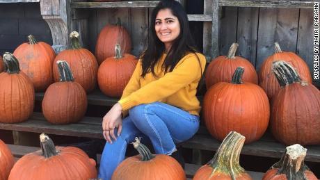 ABD'de Maitri Parsana, üç yıl Buffalo Üniversitesi'nde okudu.