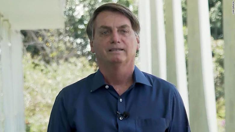Brazilian press group will sue Bolsonaro for taking off his mask