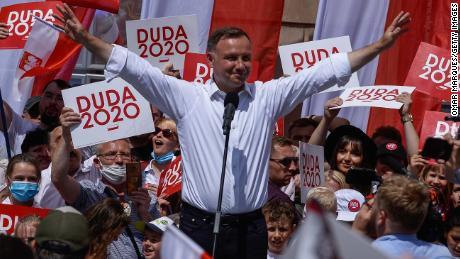 Le président Andrzej Duda prononce un discours lors d'un rassemblement électoral le 4 juillet à Wroclaw, en Pologne.