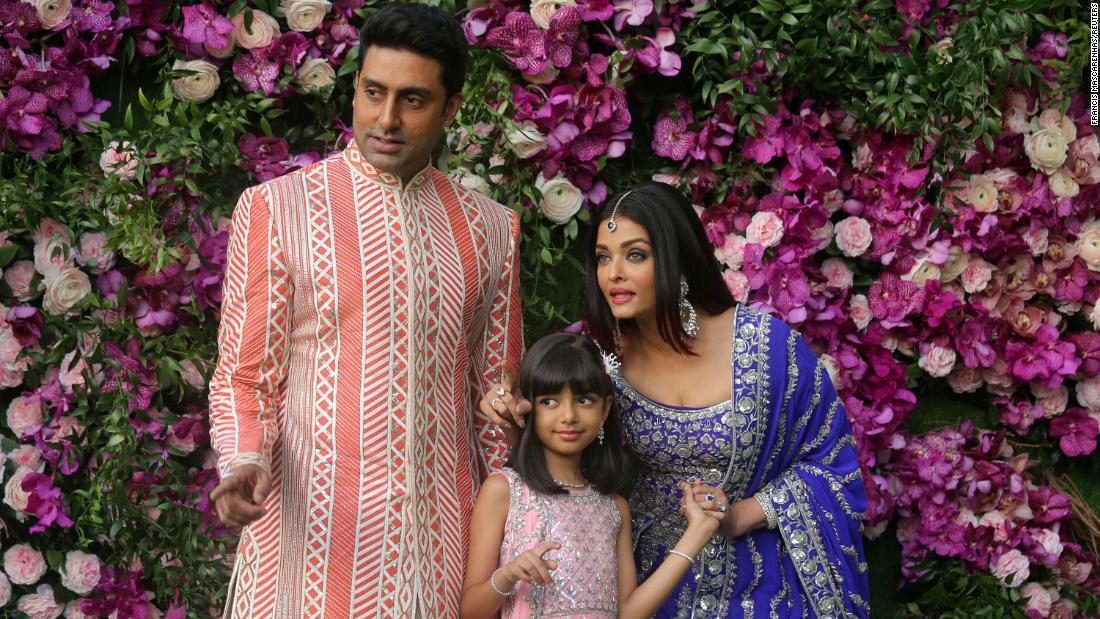 Aishwarya Rai Bachchan và con gái đã thử nghiệm dương tính với coronavirus