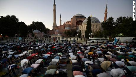 Turkey's Erdogan orders the conversion of Hagia Sophia back into a ...