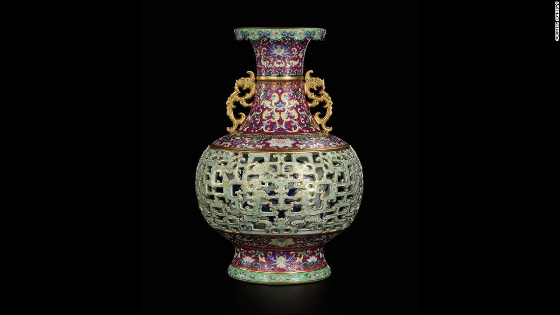 Once sold for $56, Chinese vase found in a pet-filled house goes for $9M