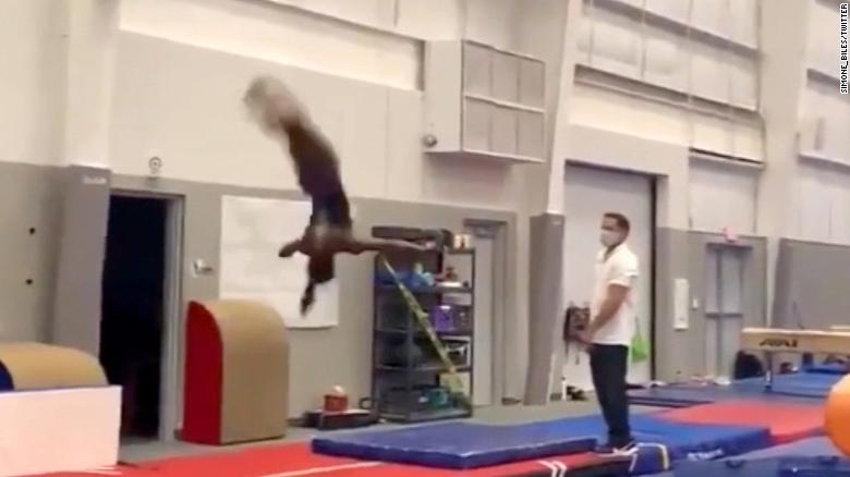 Pandemic can't stop Simone Biles' stunning aerial display